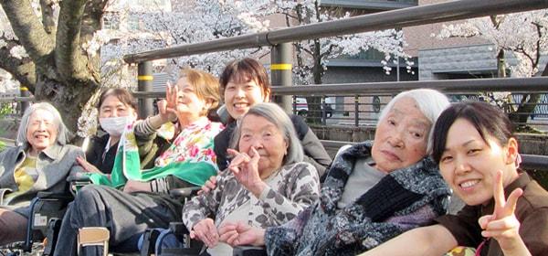 住み慣れた地域で安心して暮らせますように、私たちがお手伝いします。 長岡三古老人福祉会 採用情報サイト